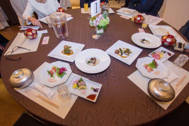 祝賀会の食事